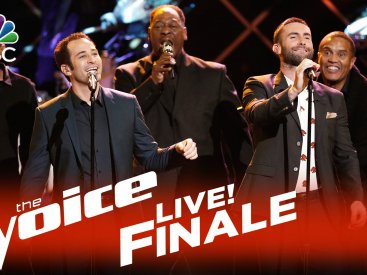 "The Voice 2015 Joshua Davis and Adam Levine – Live Finale: ""Diamonds on the Soles of Her Shoes"""