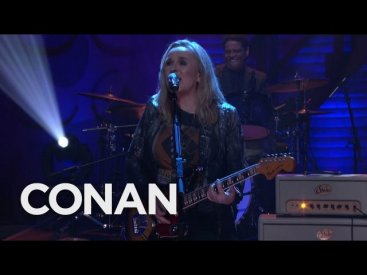 "Melissa Etheridge ""Respect Yourself"" 01/30/17 – CONAN on TBS"
